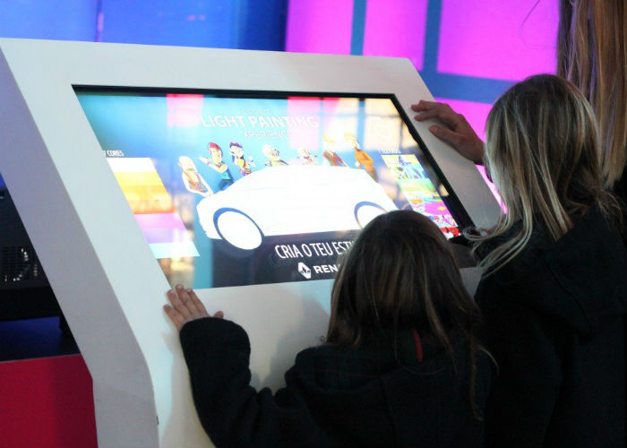 TEMBU interactive at Grand Scénic Fun Stand by OEMKIOSKS