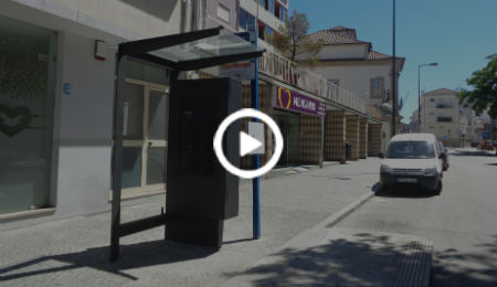 RIVER - Innovative digital bus stop OEMKIOSKS